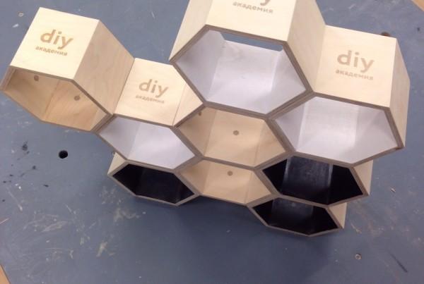 Лазерная гравировка, брендирование. Деревянная полка. DIY Академия Bosch. made by Make